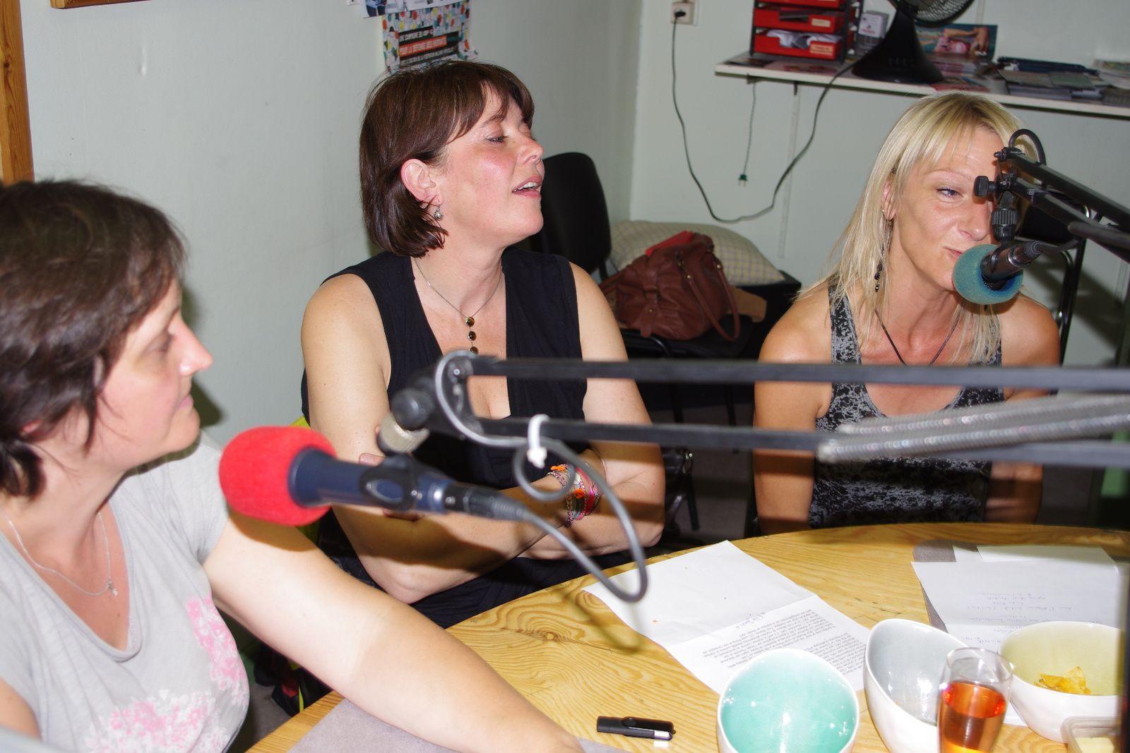 Les copines dans le studio RQC