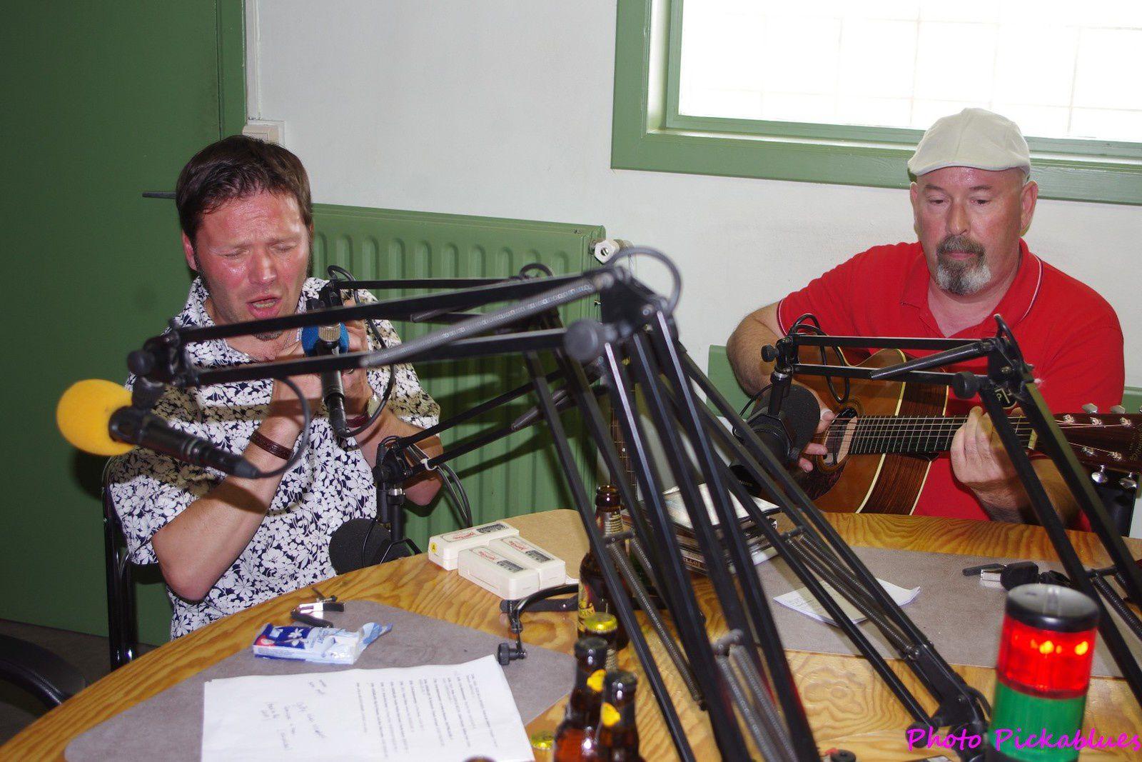Gutty Blues Strikers (Manu et Dominique) en direct live dans le studio de RQC