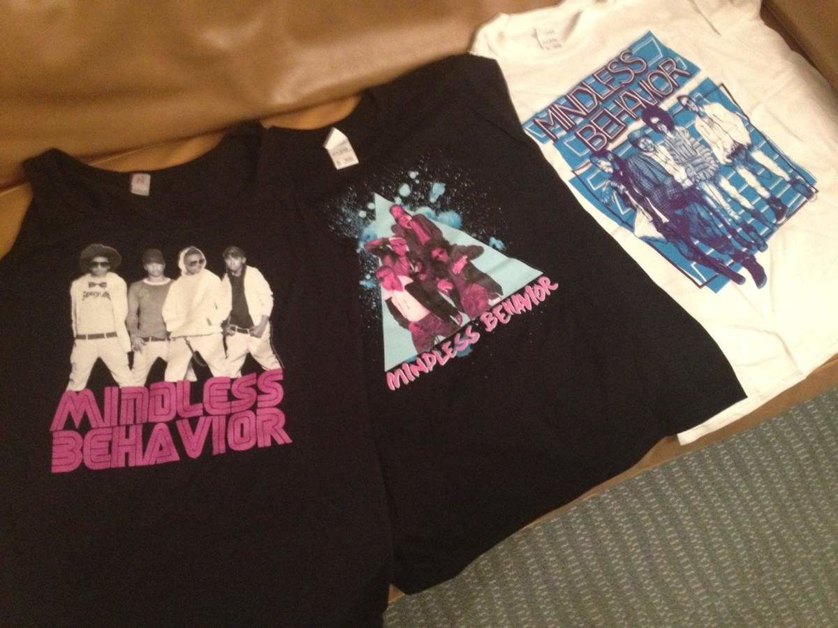Tee-shirts collector Mindless Behavior.