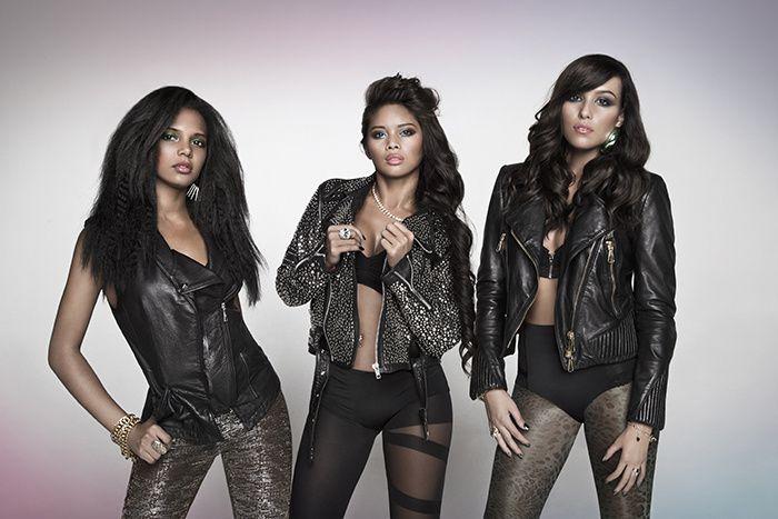 Adict c'est l'histoire de Jade, Patou et Séthanie, 3 filles passionnées de danse et de chant. Ensemble, elles ont décidé de leurs destins : ce sera celui d'un girls band, dans le sens noble du terme : des filles qui dansent certes, mais qui chantent aussi, et plutôt très bien.