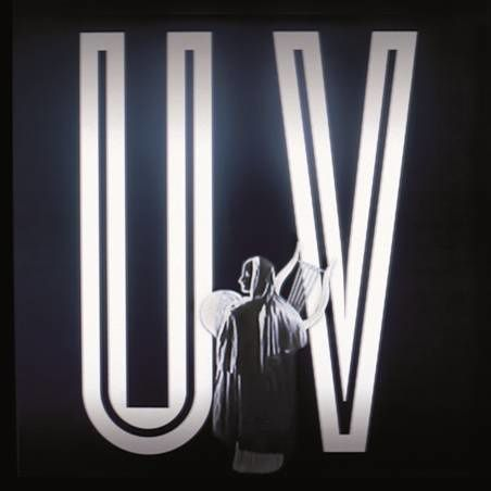 "Midnight Juggernauts, nouvel album ""Uncanny Valley"", sortie le 17 juin. ""Memorium EP"", sortie le 13 mai en vinyle et digital. Record Makers."