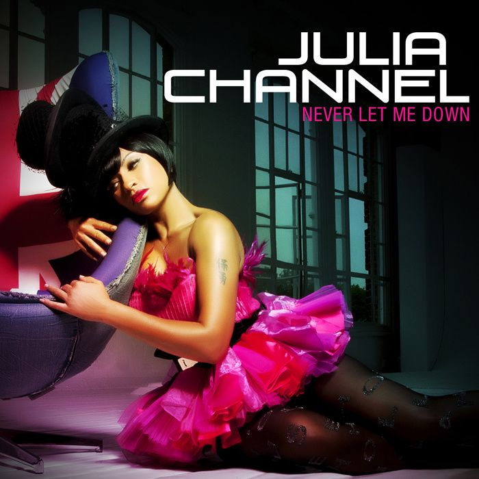 Julia Channel : Nouveau clip 'Never Let Me Down'