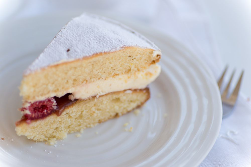 Victoria Sponge Cake for Mother's Day