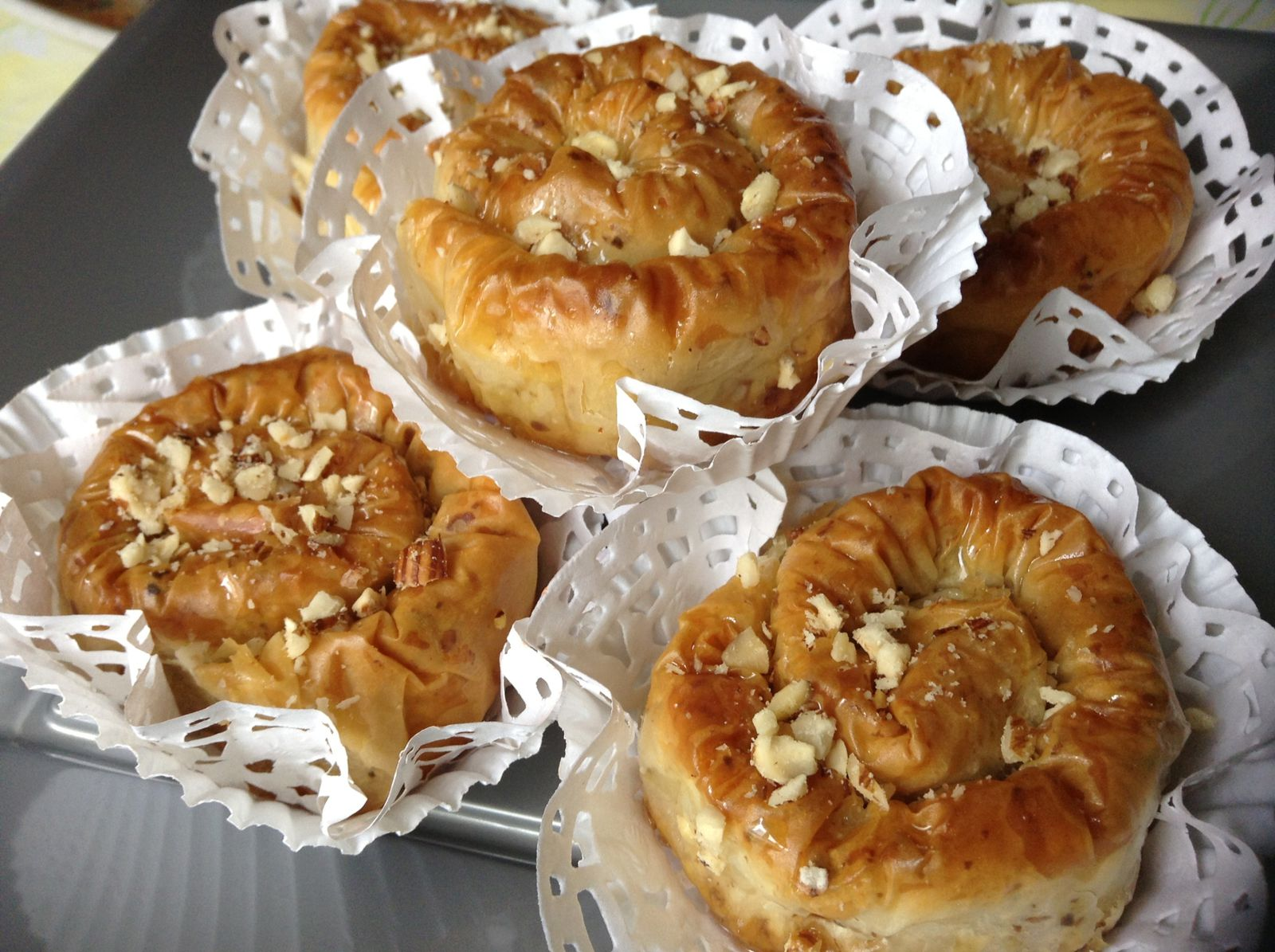 Baklawa Rolls aux noisettes (Mhancha) pour Ramadan