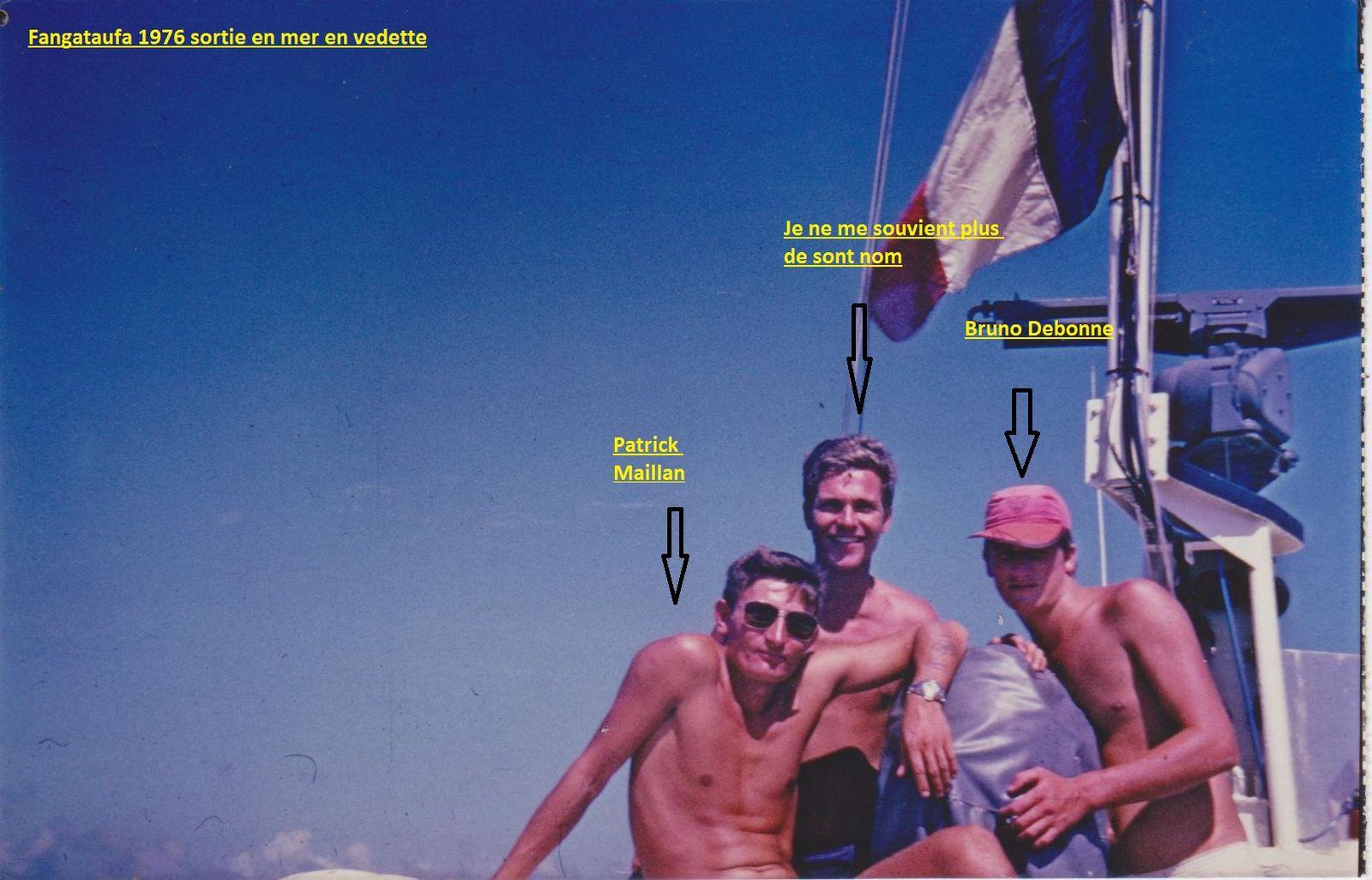 Philippe au milieu, le pêcheur de requins, ci dessous.