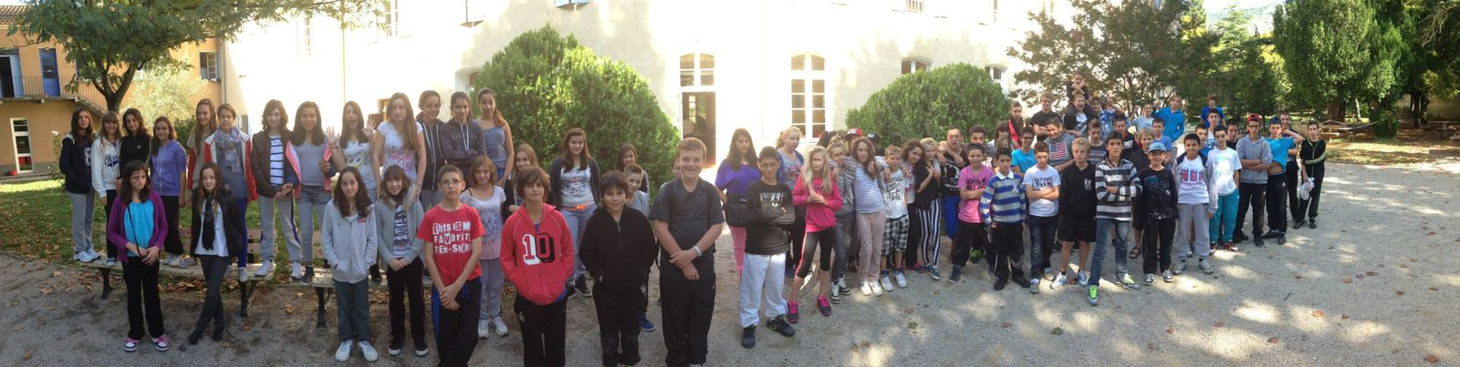 Les 3 classes de 5° se surpassent à Fontaine de Vaucluse !