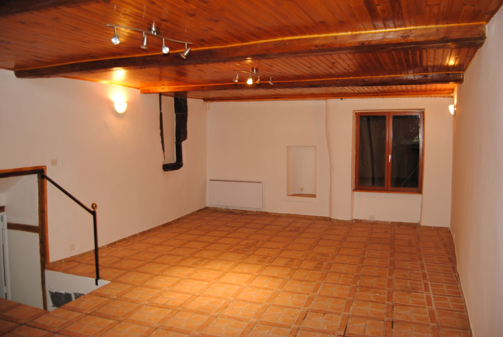 Salon 35m2 niveau 1 - Salon carrelage blanc ...