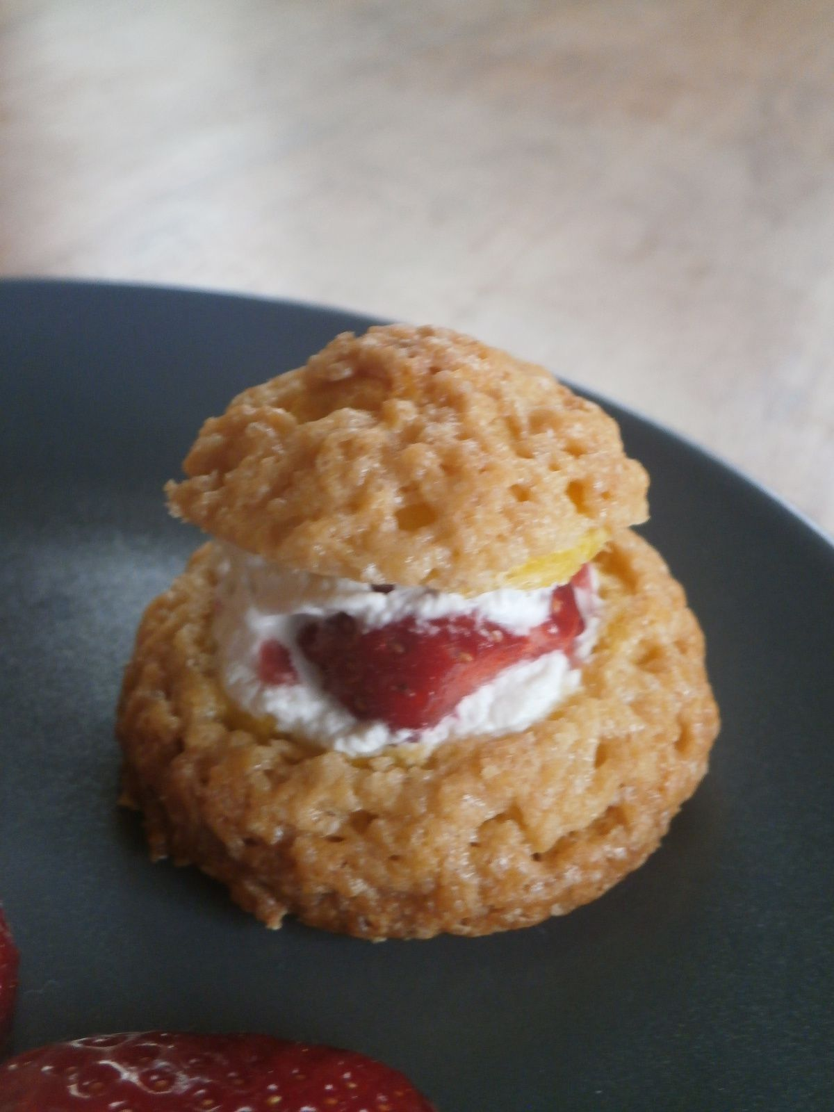 Choux fraise chatilly