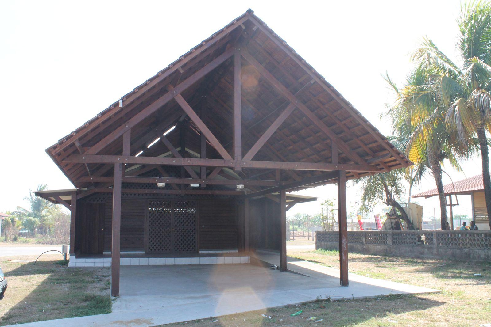 Opération Mairie de Kourou: Equipement du Village Saramaca - Construction de Carbet
