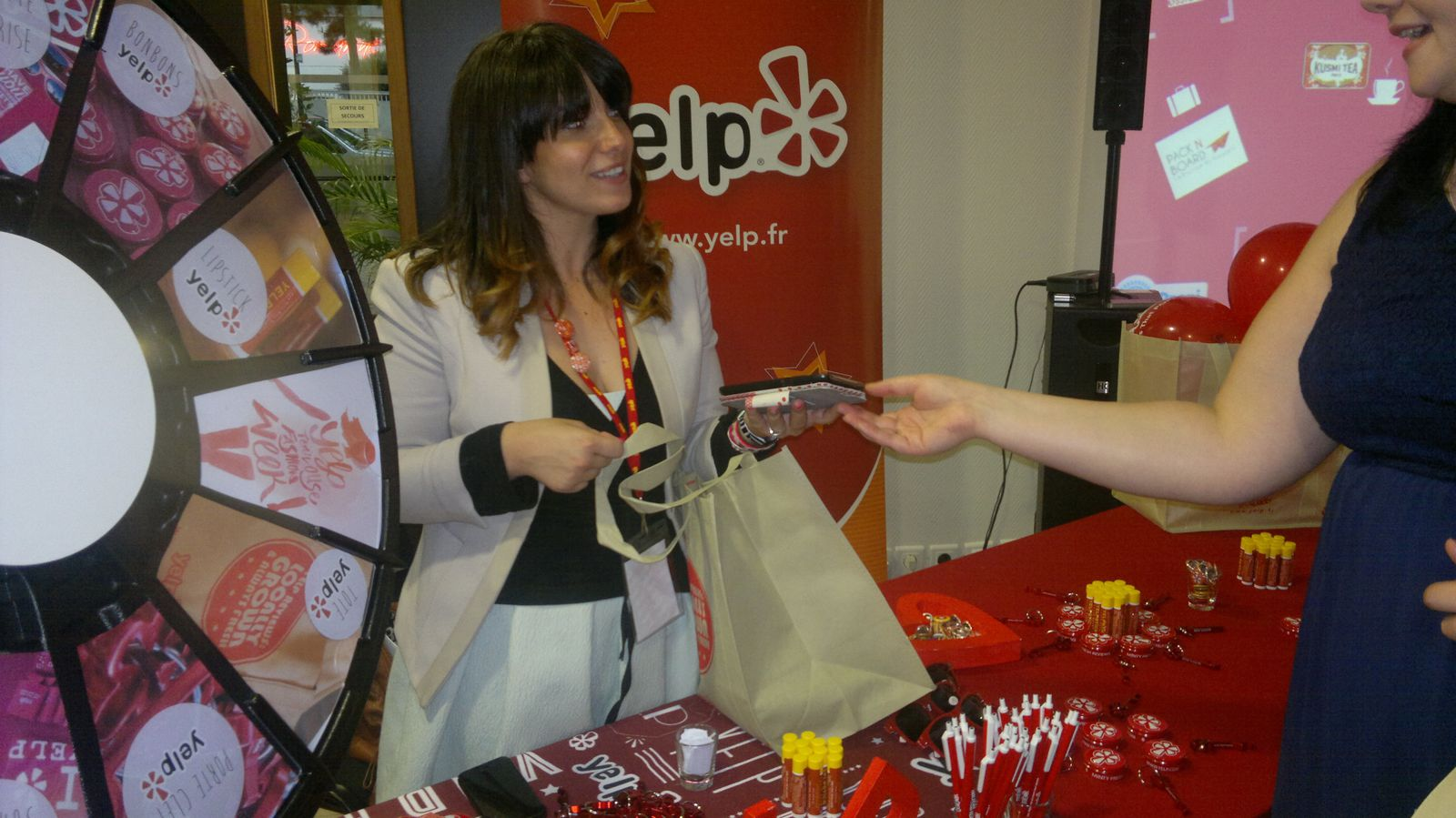 Stand de Yelp