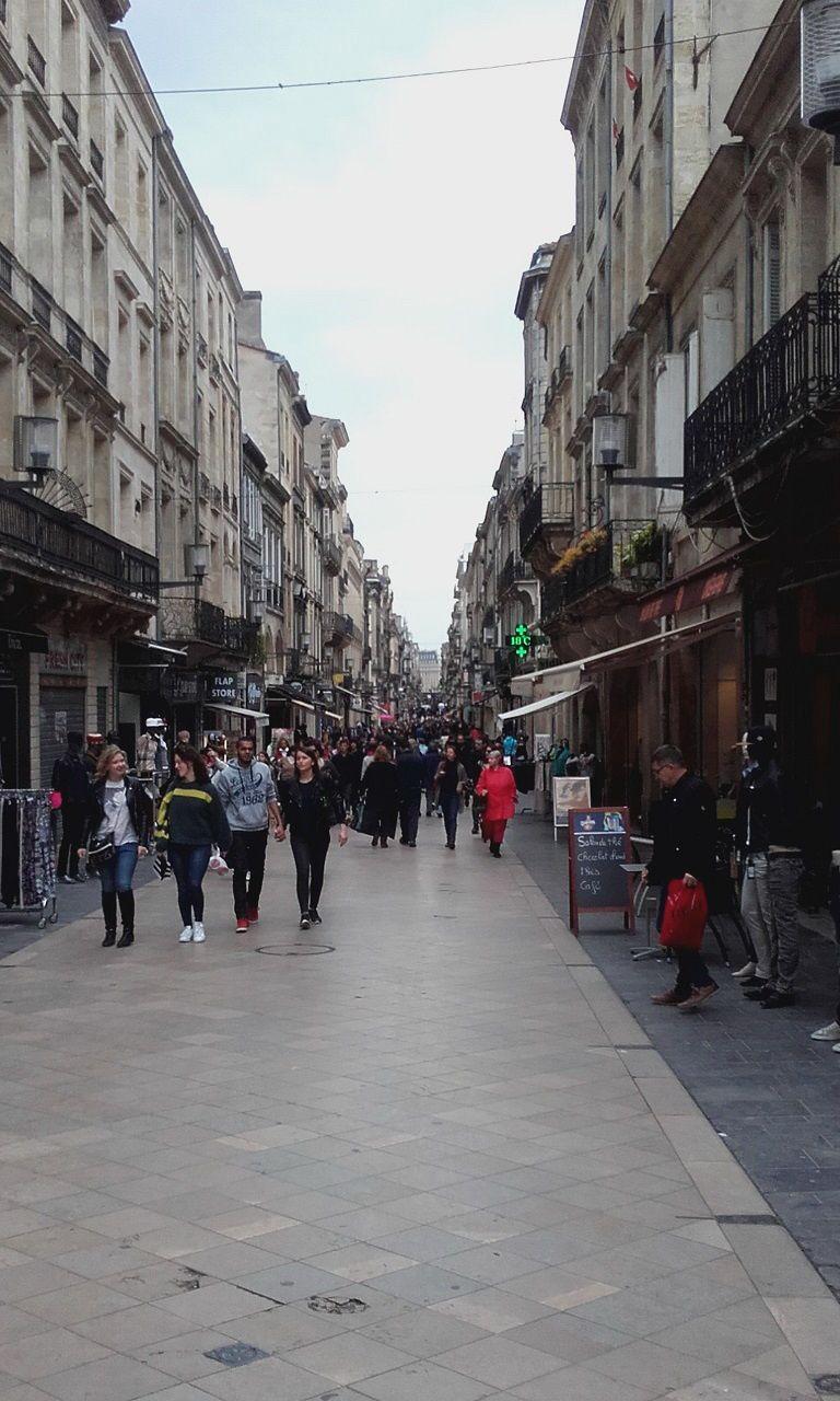 En vrac, Place de la Bourse, Quinconces, Place Gambetta, Miroir d'eau, Fontaine des Girondins, Place des Grands Hommes, rue Sainte Catherine...