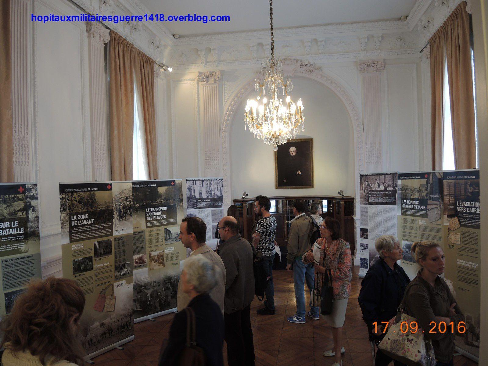 Vue de l'exposition sur le service de santé militaire à l'Hôtal Thiers qui a accueilli plus de 3300 visiteurs en deux jours.