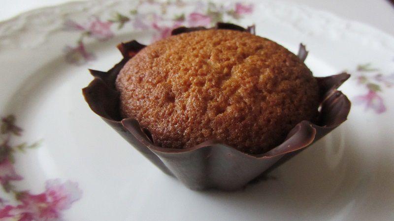 Gâteaux au coco et lait concentré en coque chocolatée