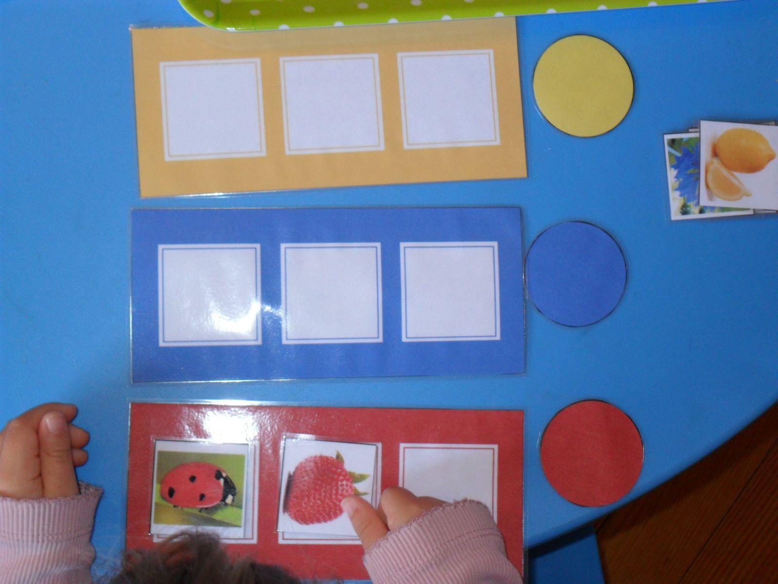 Alana travaille sur les couleurs.