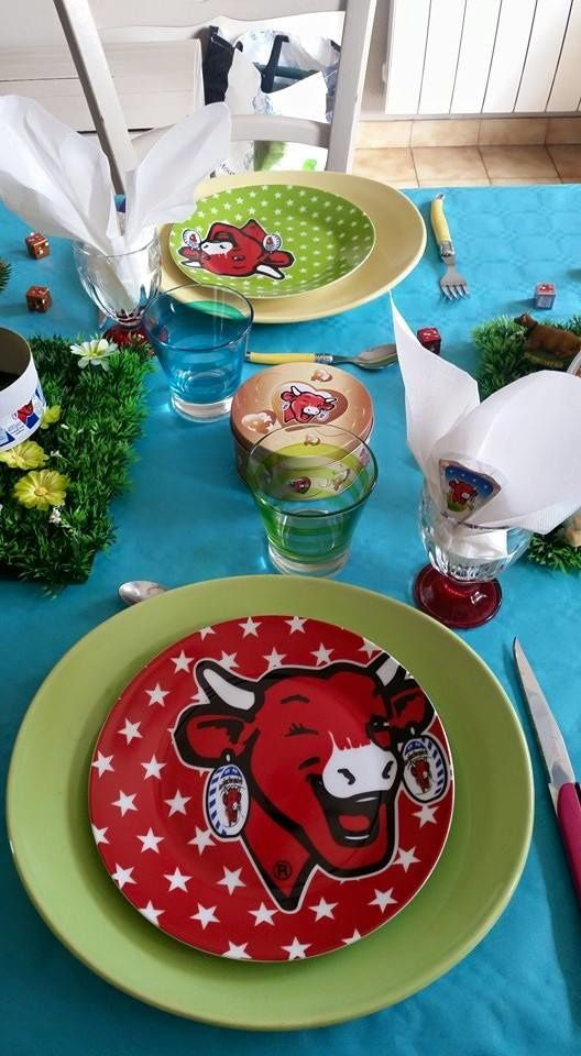 "Table ""Vache qui rit"""