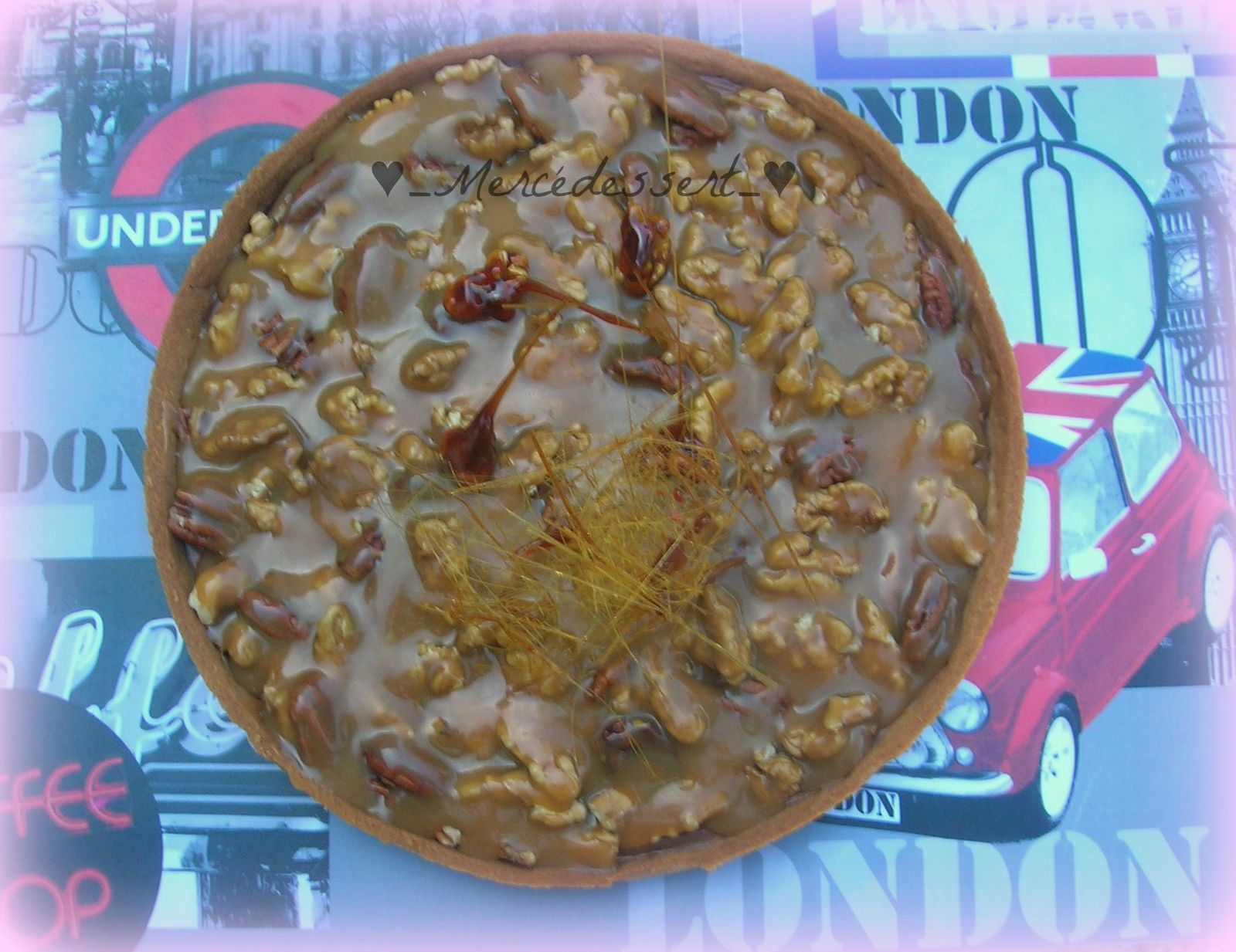 Tarte chocolat noix et noix de pécan sauce au caramel