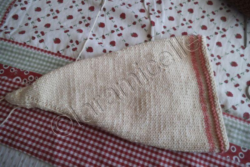 tuto gratuit layette  bonnet lutin taille 3 mois - Chez Laramicelle 96ef9d13117