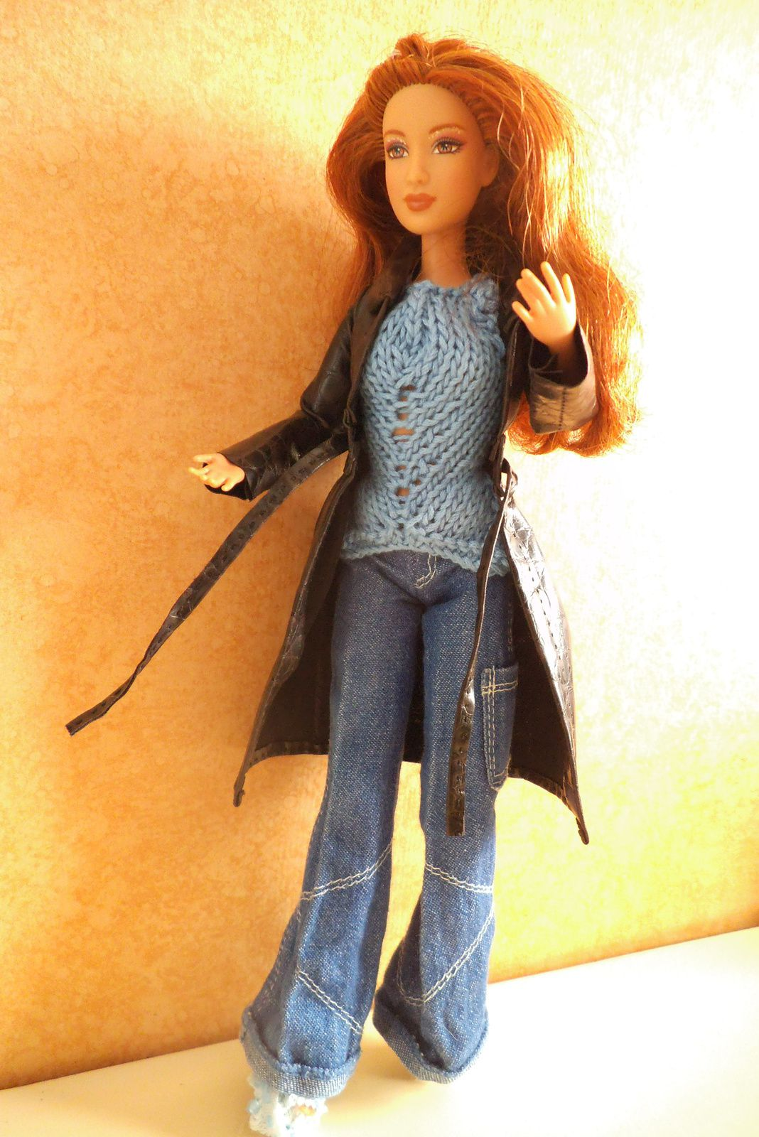 Barbie en trench cuir