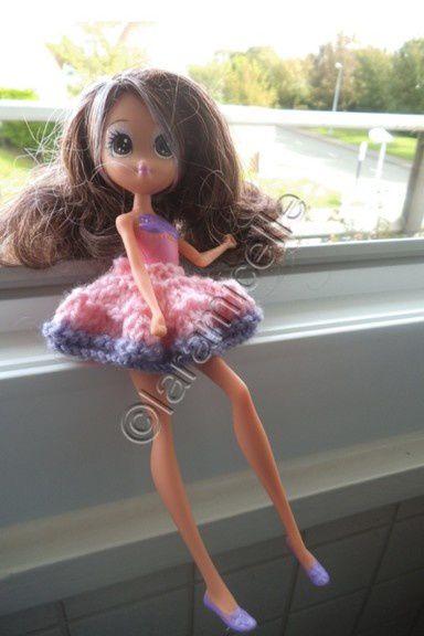tuto gratuit poupée: mini jupe pour aller danser