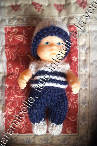 tuto gratuit poupée bébé : marinière et bonnet