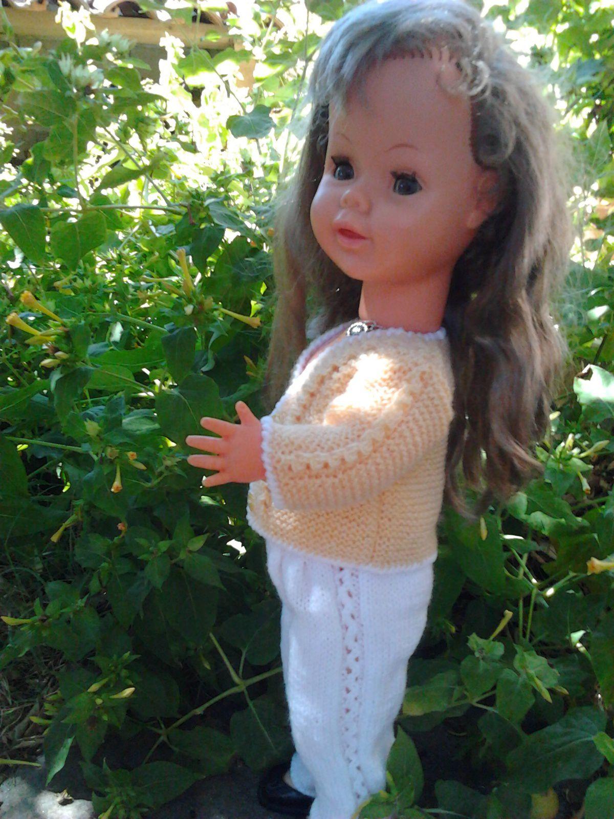 tuto gratuit poupée : petit ensemble pantalon veste par Minouche
