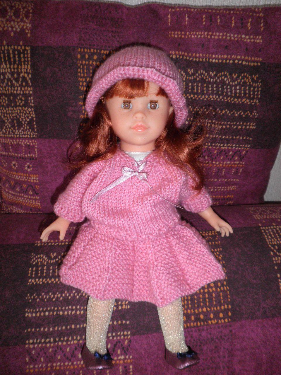 la poupée d 'Agnès avec la tenue gagnée