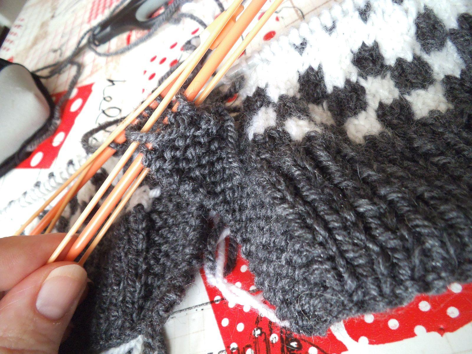 tuto gratuit : tricoter les bandes de boutonnage dans un jacquard