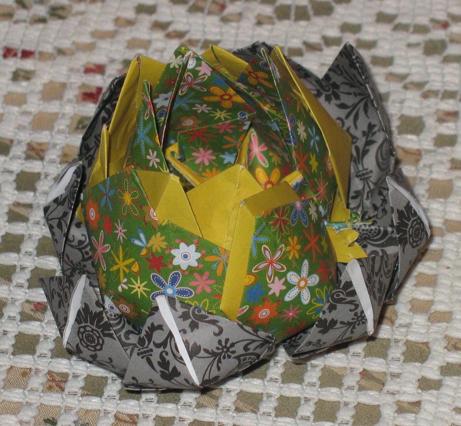 Couleurs du soir et fleur de lotus (origami)