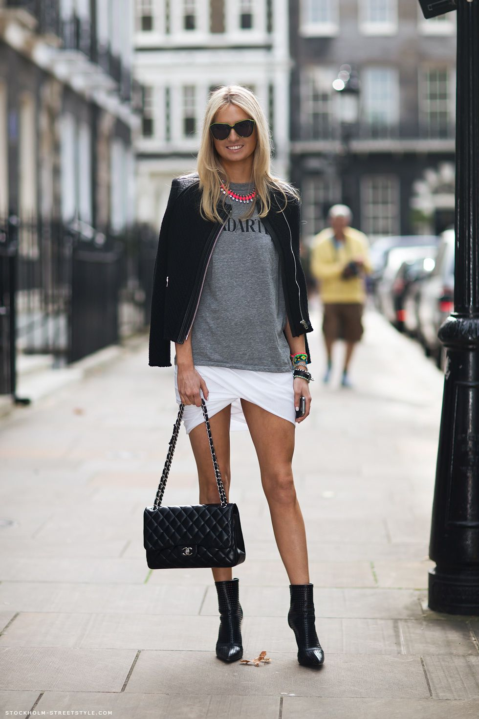 credit : Stockholm street style : veste IRO , jupe alexander wang , collier H&M