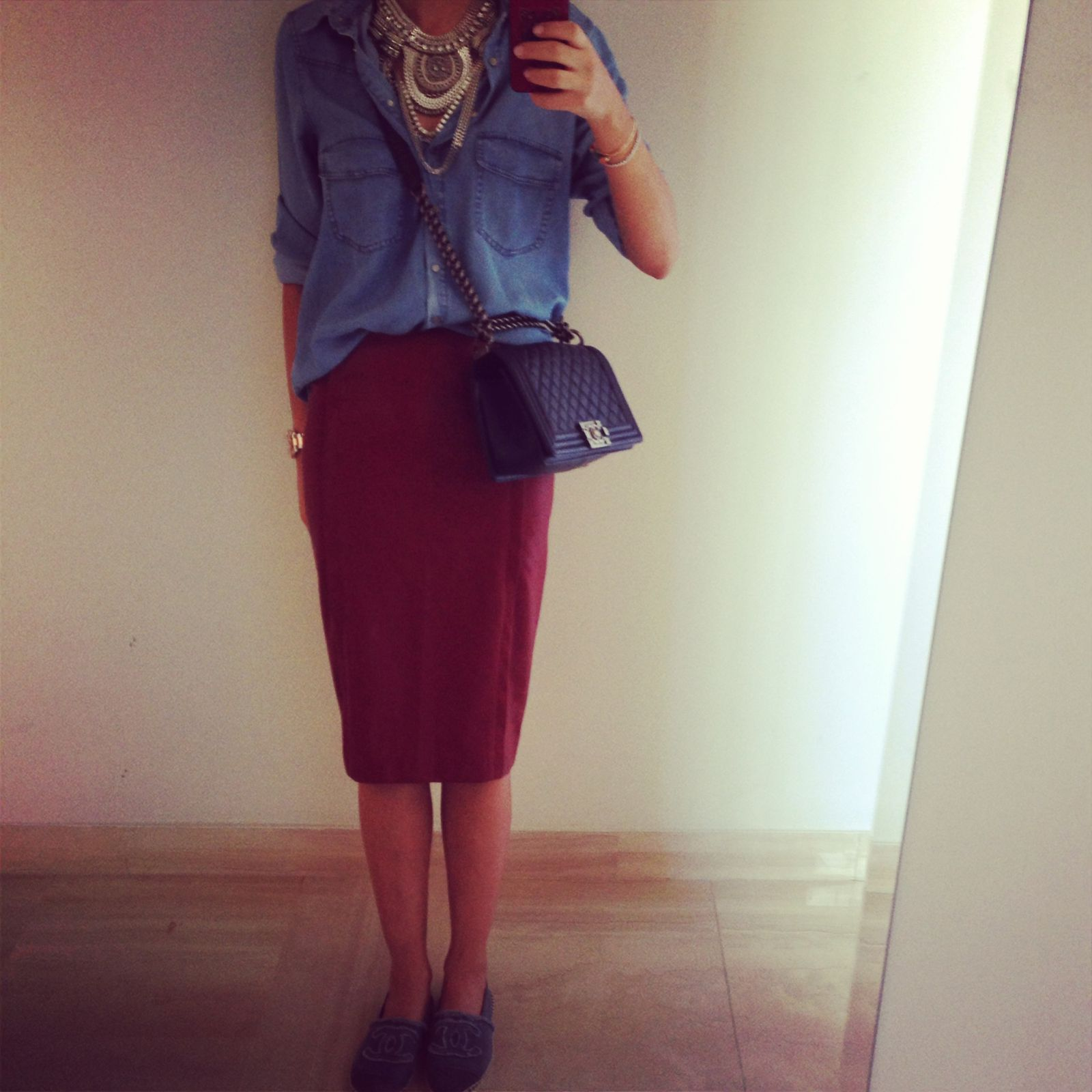 Im wearing a Zara skirt ( new collection)  and shirt , a topshop necklace  and Chanel espadrilles and bag