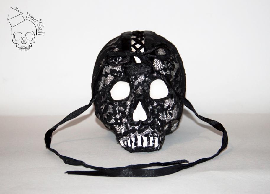 Skull Miss Goth Pin-Up