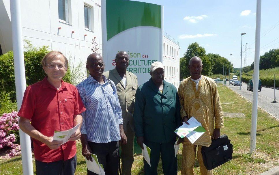 Patrick Le vaillant, administrateur de Coopération-Atlantique Guinée 44 et la délégation guinéenne