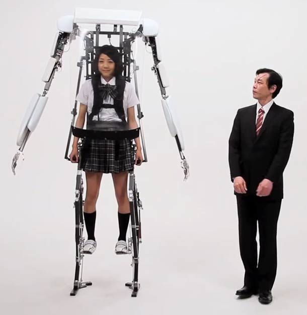 UN EXOSQUELETTE JAPONAIS, le POWERED JACKET MK3.