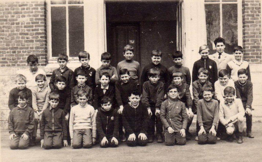 La classe de CM2 de Monsieur Fontaine à l'école Pasteur en 1970