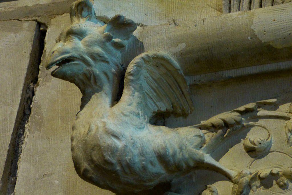 Chambord, les salamandres effrayantes de François 1er, ici les poules ont des dents