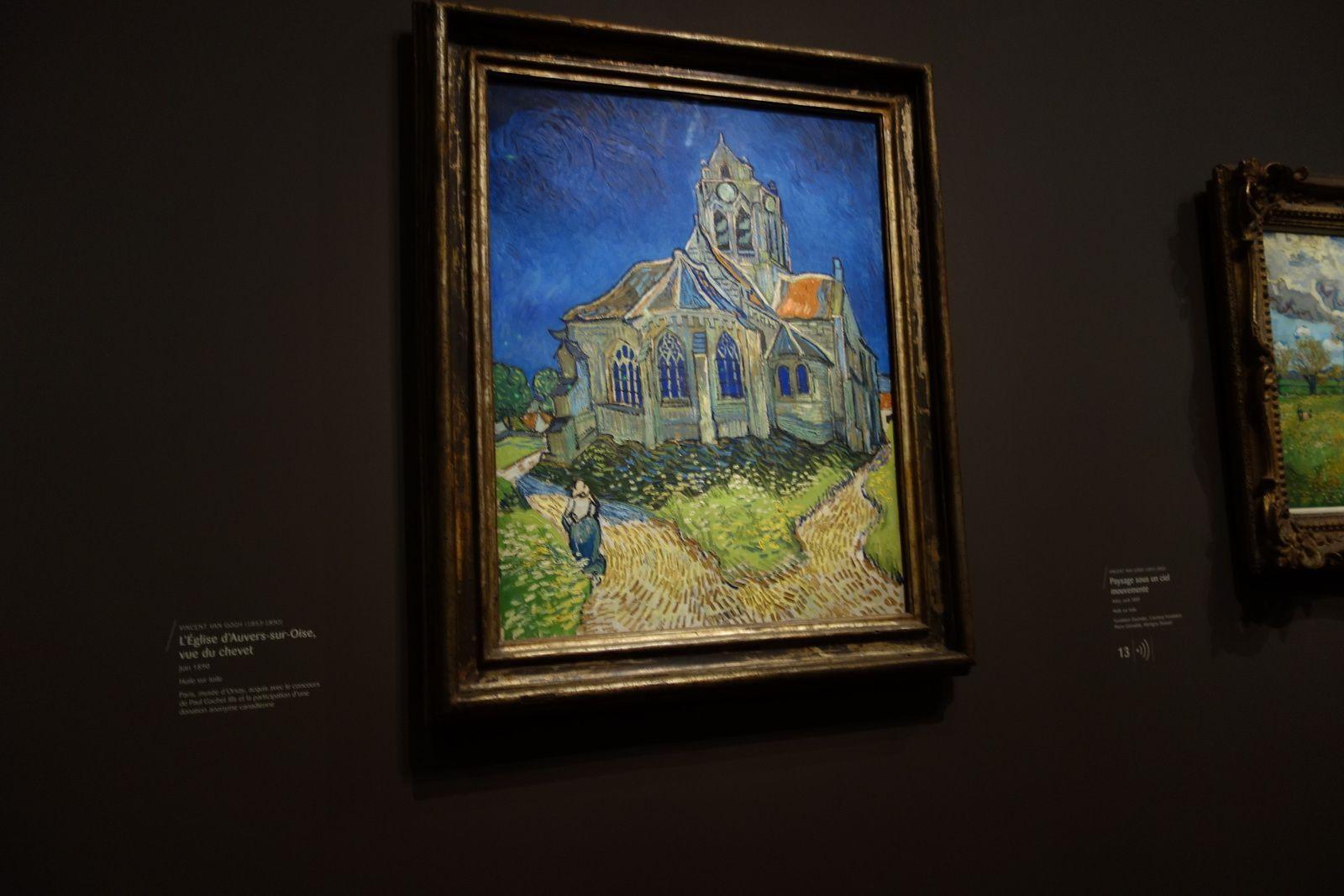 Sur les murs en velours noir, les tableaux du peintre ressortent, c'est sublime. Ici, l'église d'Auvers-sur-Oise