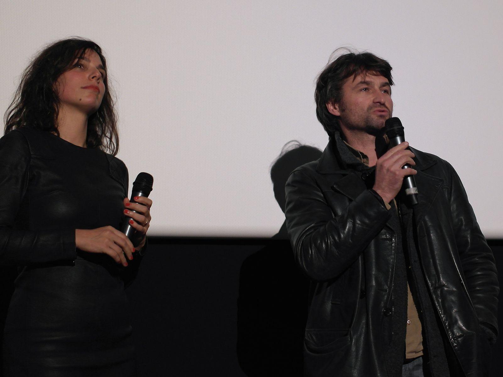 La réalisatrice, Sophie Letourneur, et le producteur, je crois...