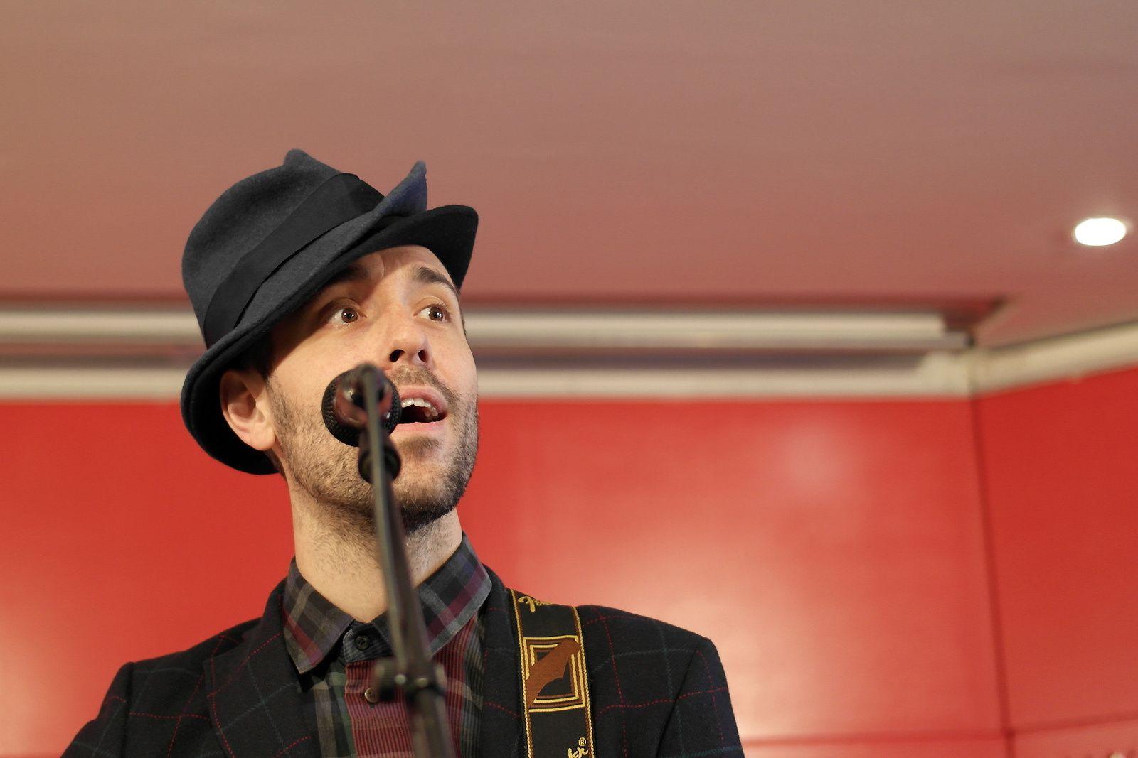 CHARLIE WINSTON à la Fnac Saint-Lazare (26/03/2015)