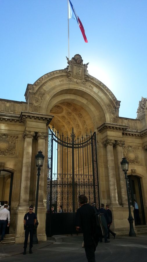 L'entrée du Palais de l'Elysée, rue Saint Honoré.