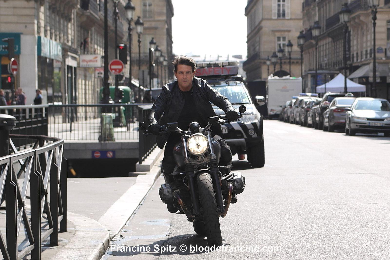 TOM CRUISE tourne MISSION IMPOSSIBLE 6 dans les rues de Paris (avril-mai 2017)