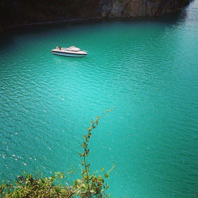 Quand la Mayenne prend des airs de Corse, j'ai une pensée pour Tat'Anne et Tontoncle :) #EcHOlogia