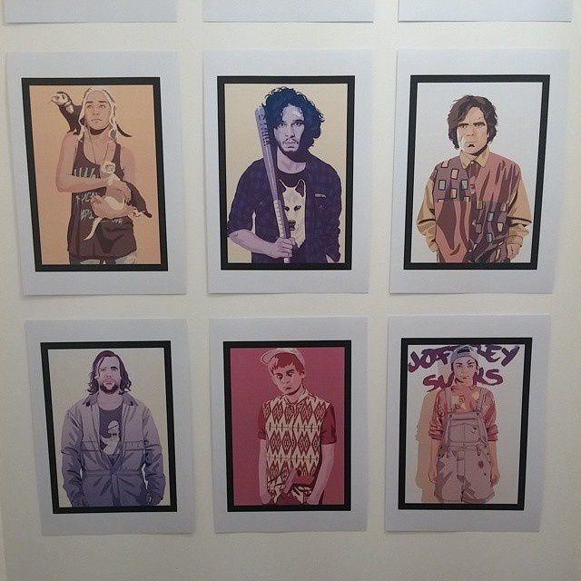 Des têtes familières sur le mur...