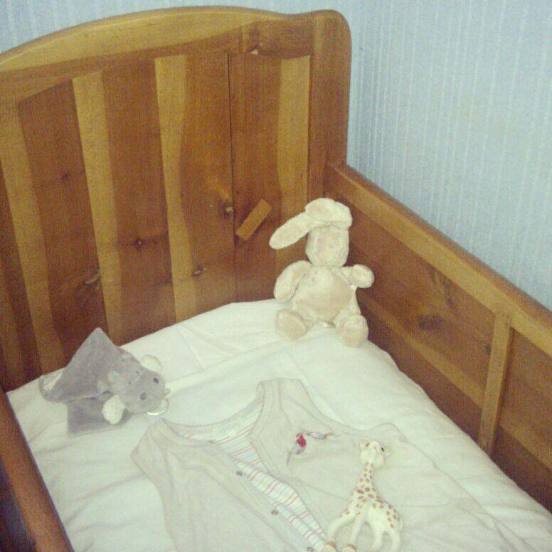 Mamie Gaga a retapé son lit de petite fille pour sa petite fille