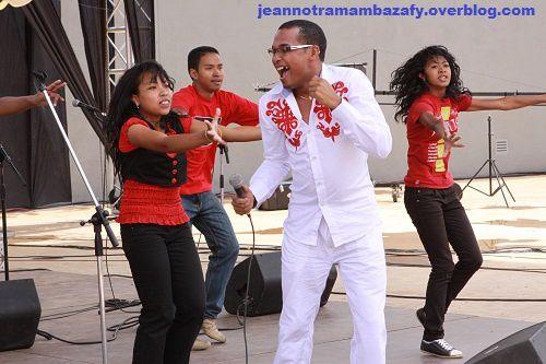 Antsonjombe: PHOTOS  du Premier Gala évangélique au Coliseum de Madagascar