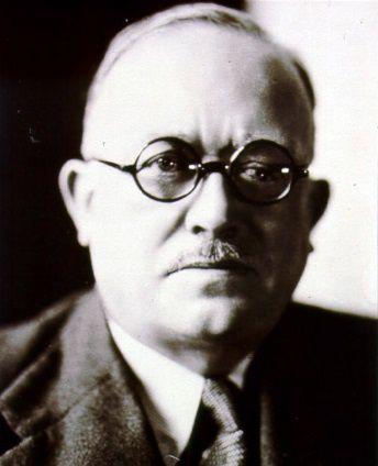 Vincent Auriol, avec ses célèbres lunettes en écaille, qui devait pas être marrant du tout...