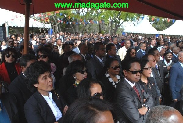 Madagascar 14 juillet 2013 : gueules d'enterrement à Ivandry -PHOTOS-