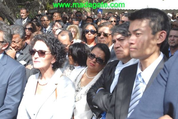 Madagascar 14 juillet 2013 : gueules d'enterrement à Ivandry -PHOTOS-