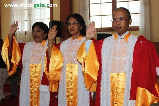 A quoi servent les serments à Madagascar, je vous le demande ? Pas pour défendre les intérêts de la population en tout cas...