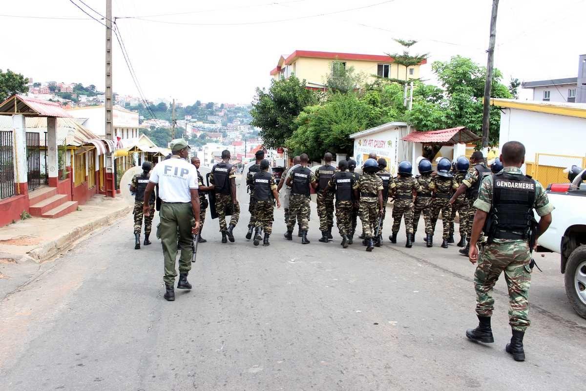 Antananarivo, 29 mars 2016. Un régime de tontons macoutes activé par le général Florens Rakotomahanina