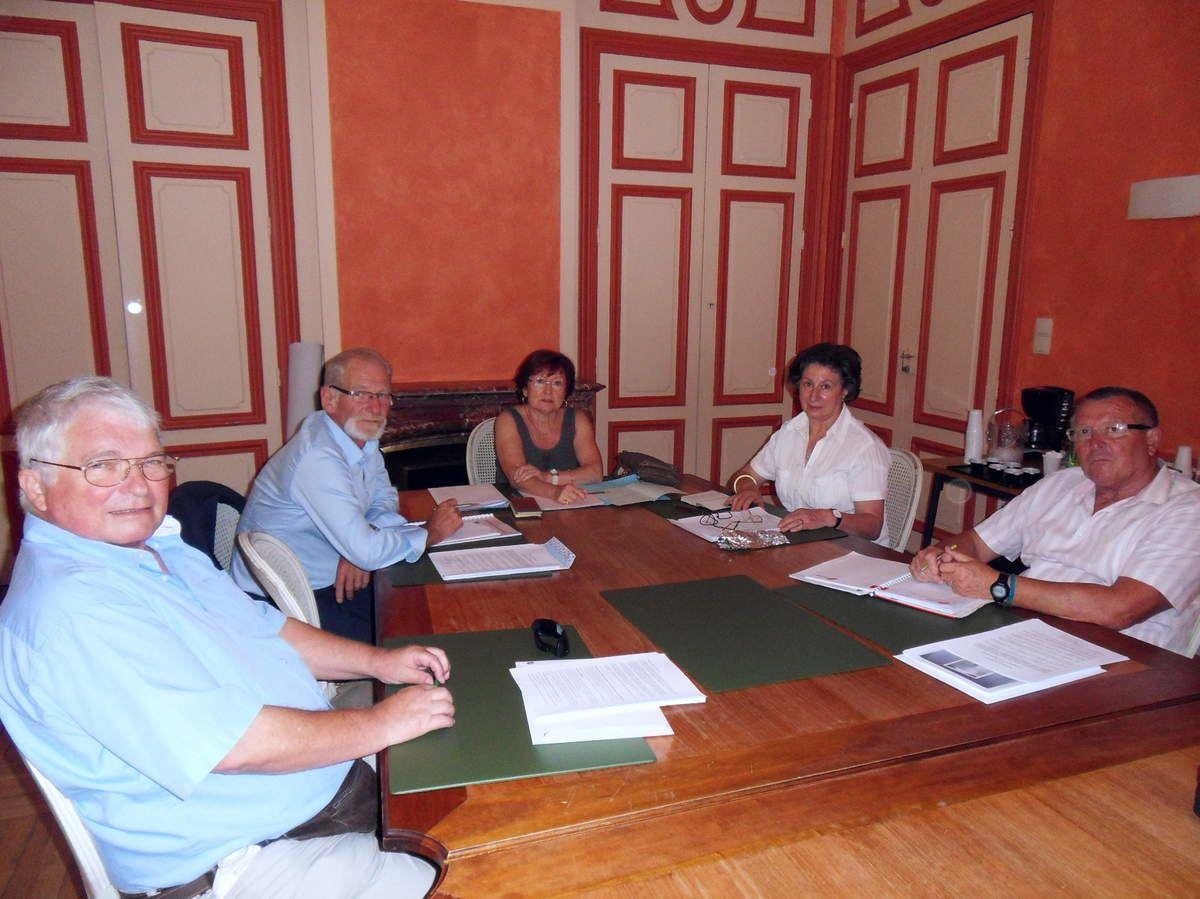 La Commission a été mise en place ce 23 Juillet 2013: Présidente de la Commission Madame Raymonde REINOLD, Secrétaire de la Commission: Jean-Pierre POGNOT